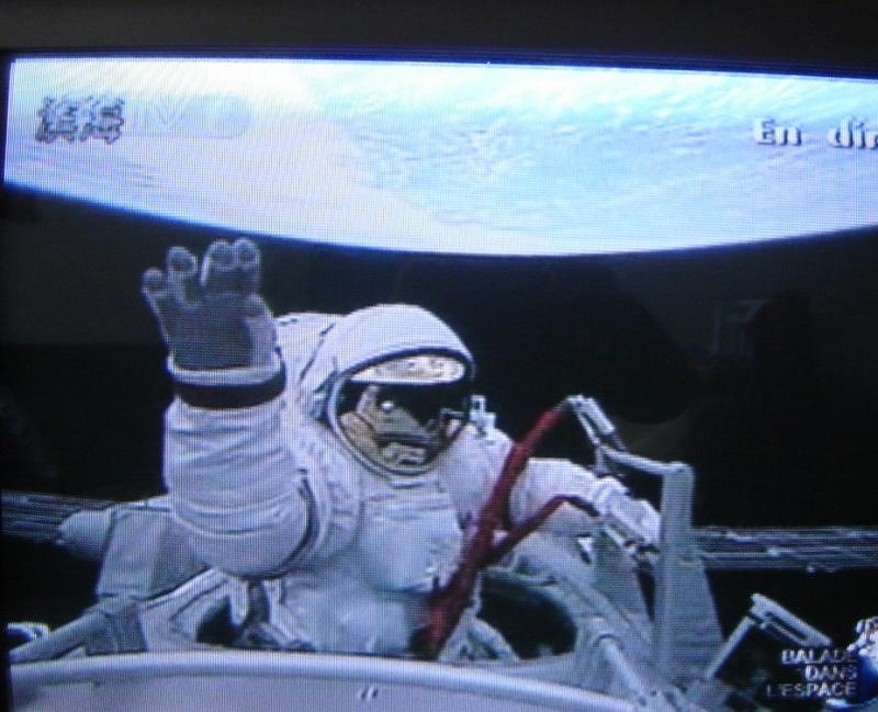 [Shenzhou 7] Sortie dans l'espace - Page 5 Dsc02216