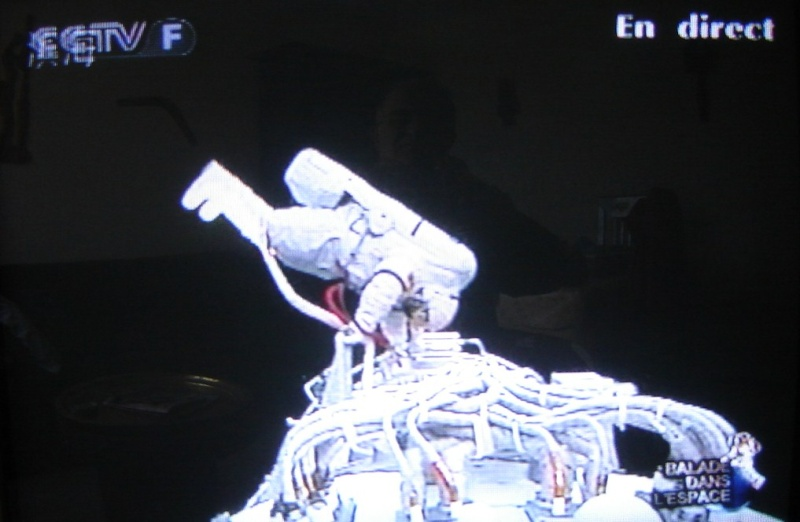 [Shenzhou 7] Sortie dans l'espace - Page 5 Dsc02217