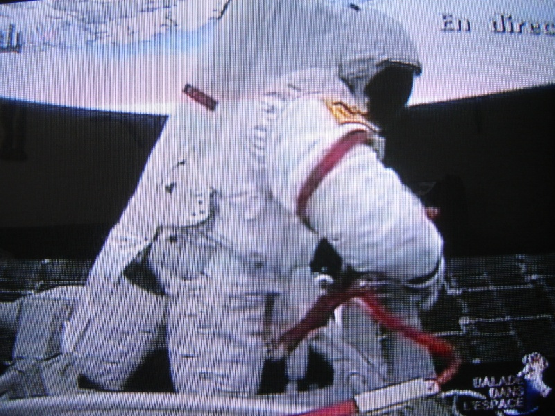 [Shenzhou 7] Sortie dans l'espace - Page 5 Dsc02221