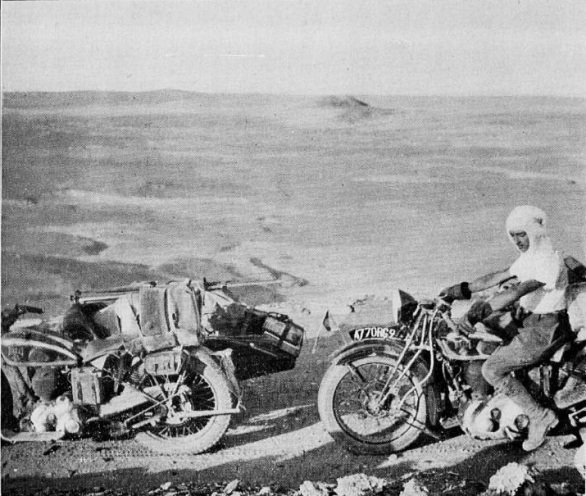 La motocyclette au Sahara Amissa10