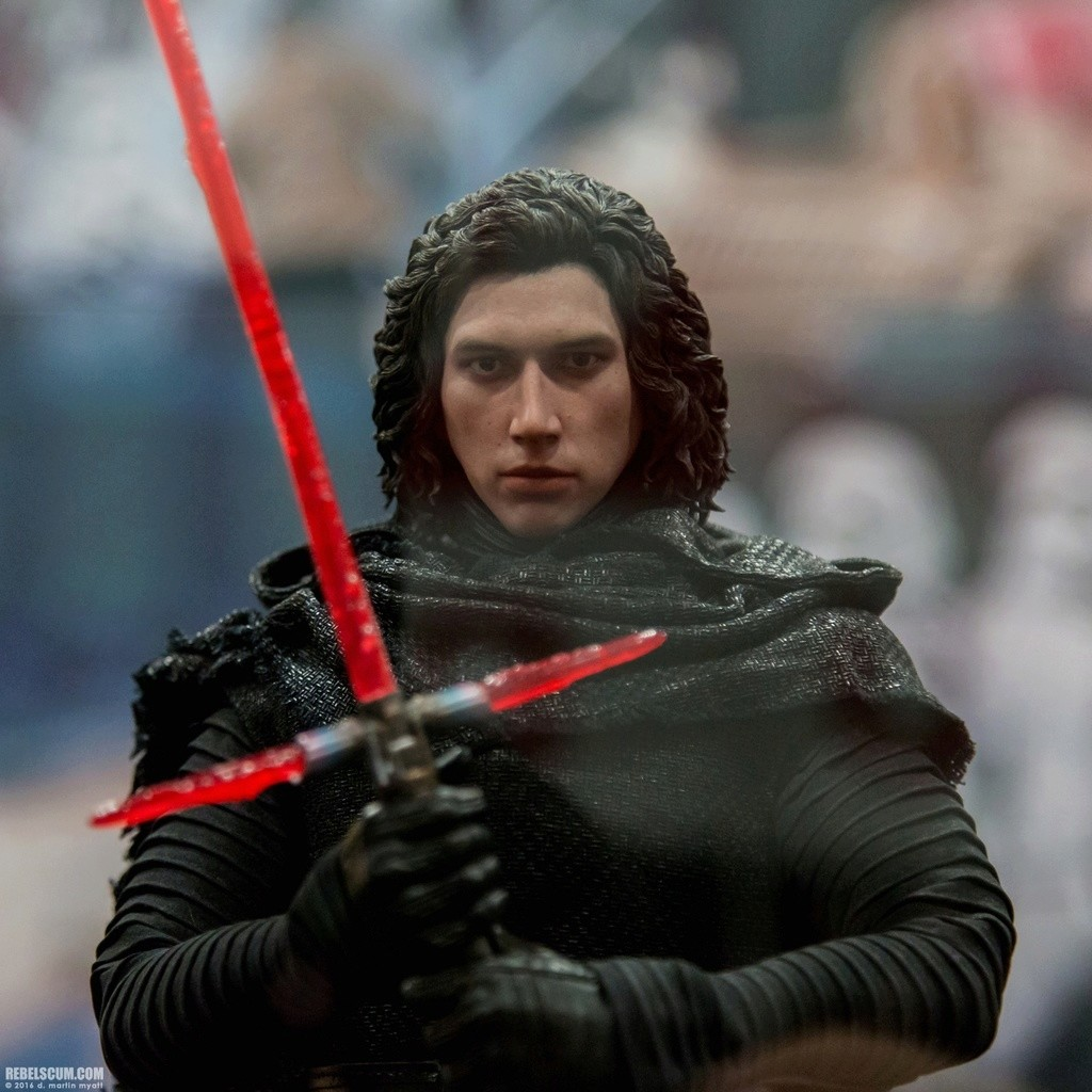 Hot Toys Star Wars The Force Awakens : Kylo Ren unmasked 2016-s27