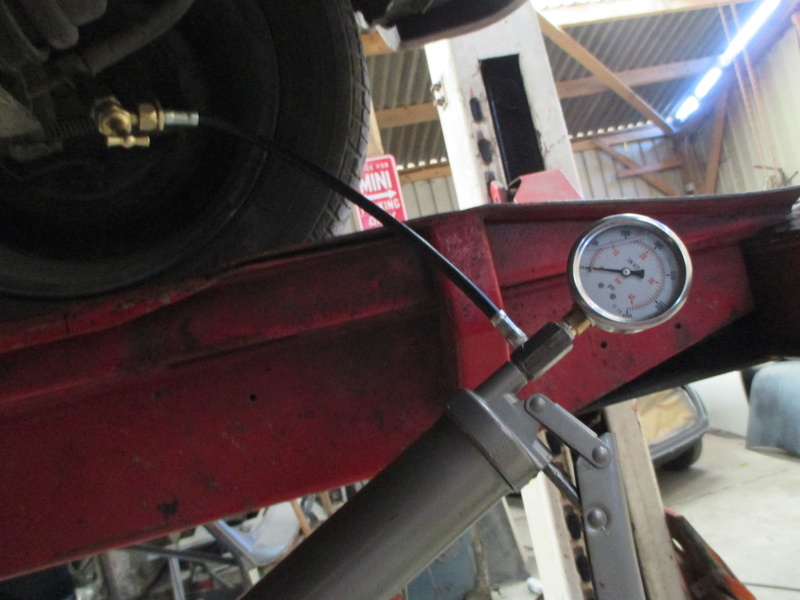 fabrication d'une pompe hydrolastic/hydragas Rover115