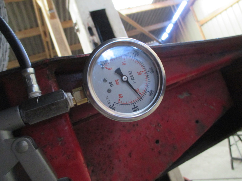 fabrication d'une pompe hydrolastic/hydragas Rover116