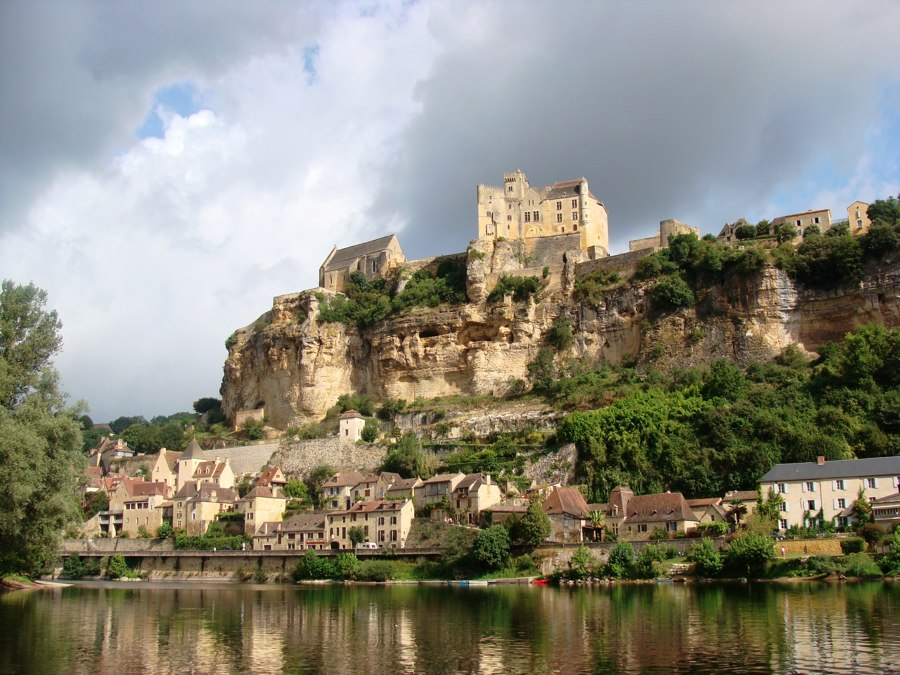 Les Plus Beaux Villages de France - Page 2 Beynac15