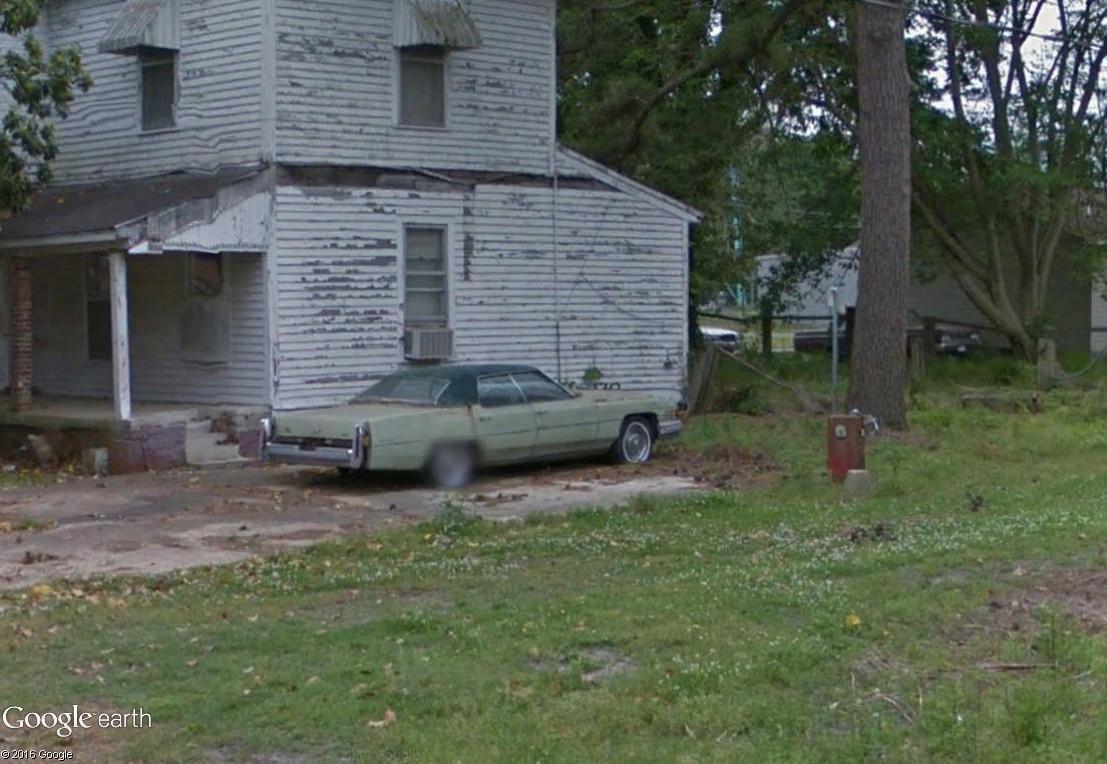 STREET VIEW : les vieilles voitures américaines - Page 2 Friar_10