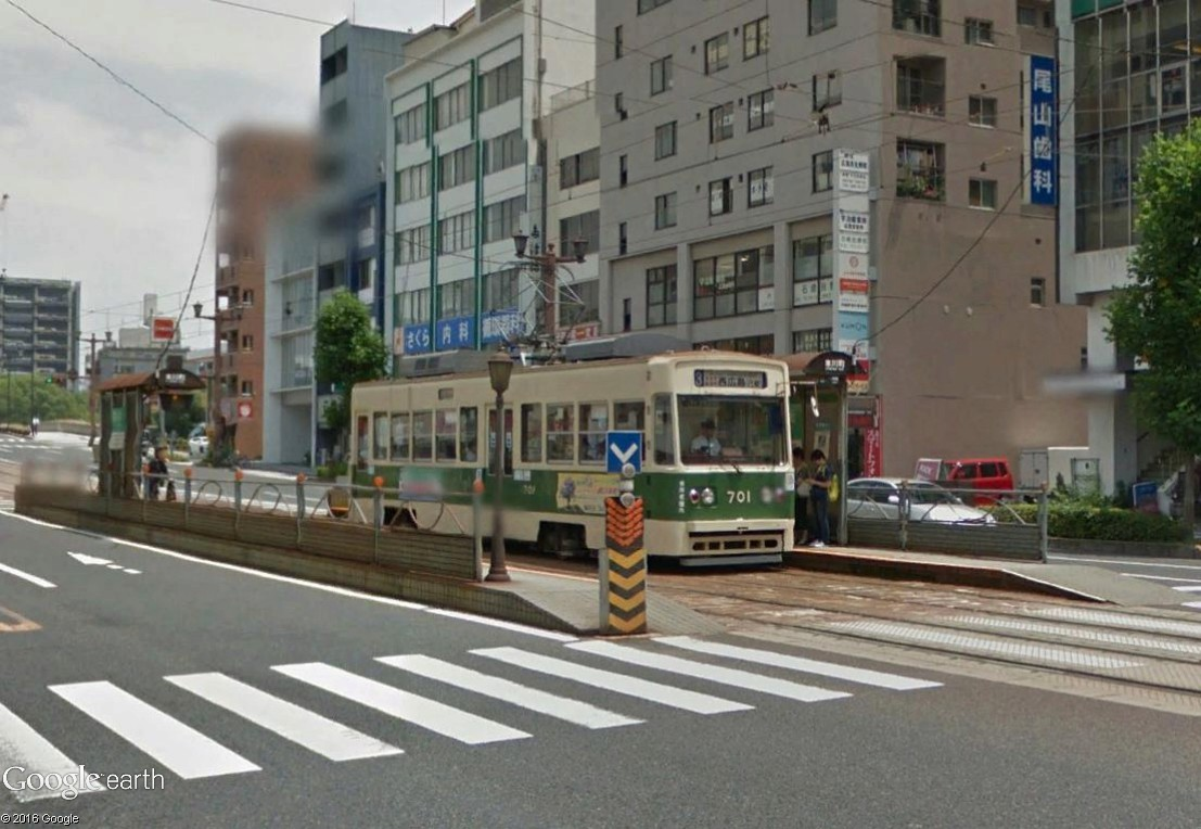 STREET VIEW : les tramways en action - Page 3 Hirosh12