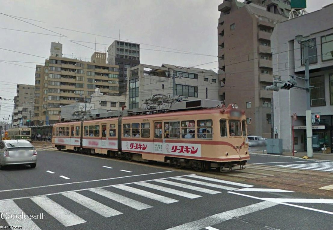 STREET VIEW : les tramways en action - Page 3 Hirosh14