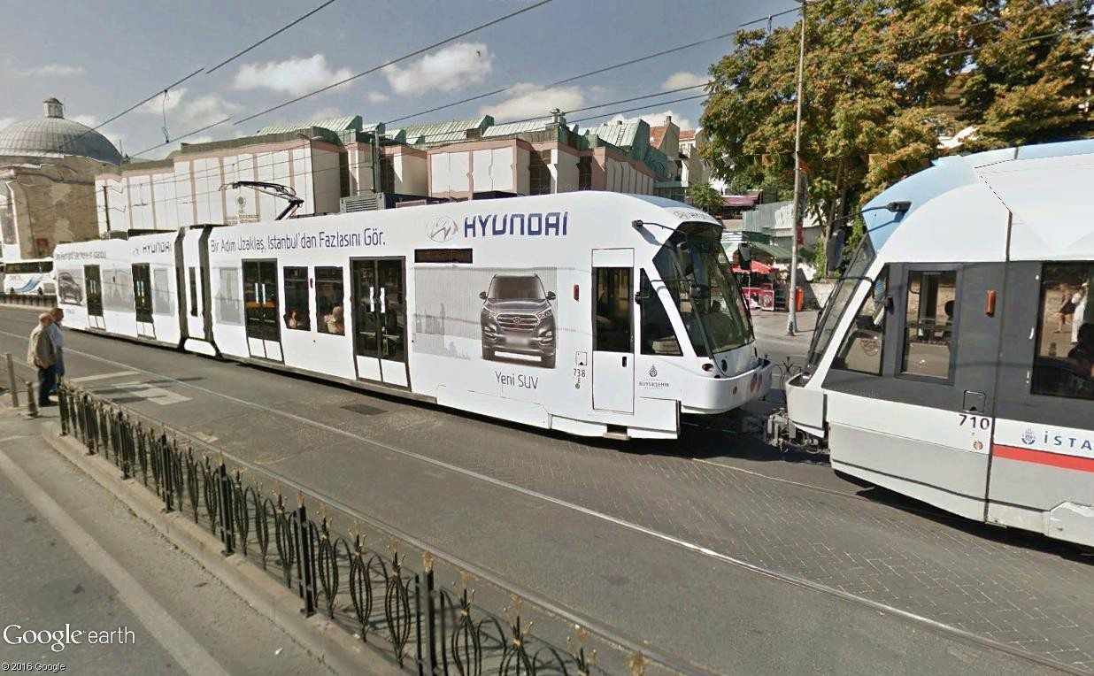 STREET VIEW : les tramways en action - Page 3 Istanb14