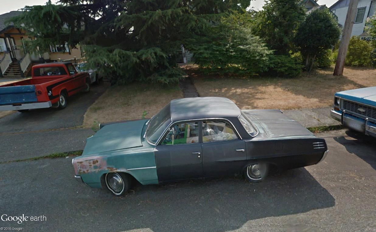 STREET VIEW : les vieilles voitures américaines - Page 2 Pontia13