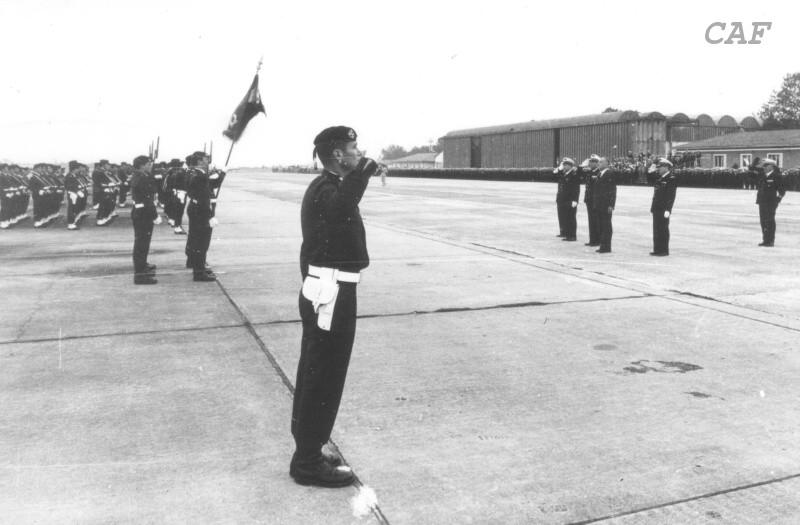 BIGEARD Marcel - général - grand soldat meneur d'hommes INDO et Algérie jusqu'en 1959 Bigear12