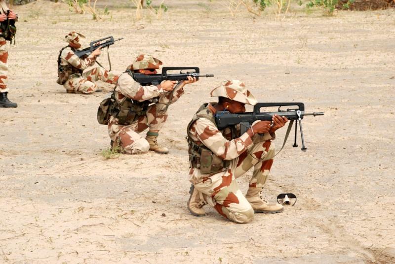 Tchad : Entraînement pour les Commandos de l'Air Entrai10