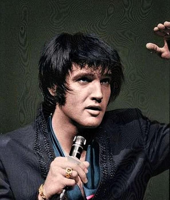 Elvis Presley 02100210