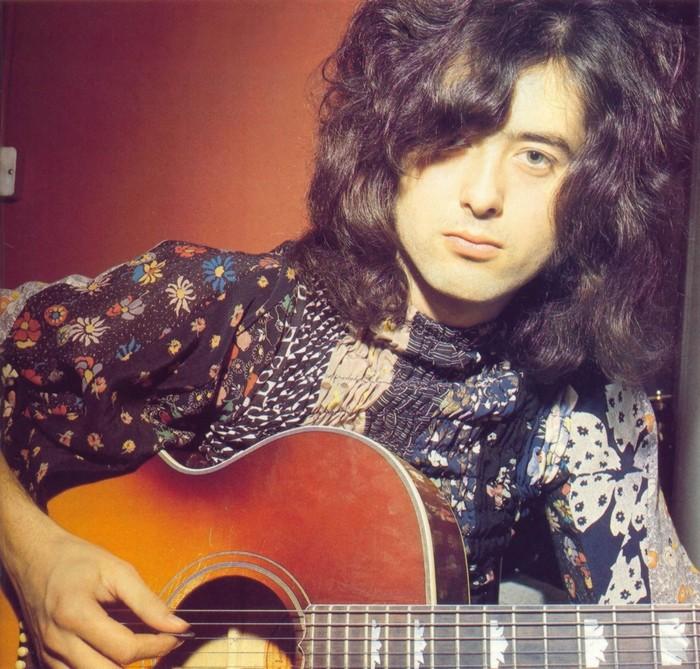 Pictures at eleven - Led Zeppelin en photos Jimmy_11