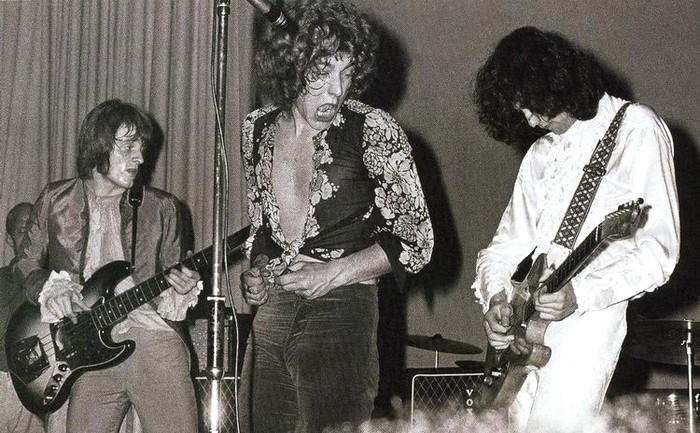 Pictures at eleven - Led Zeppelin en photos - Page 4 Led-ze15
