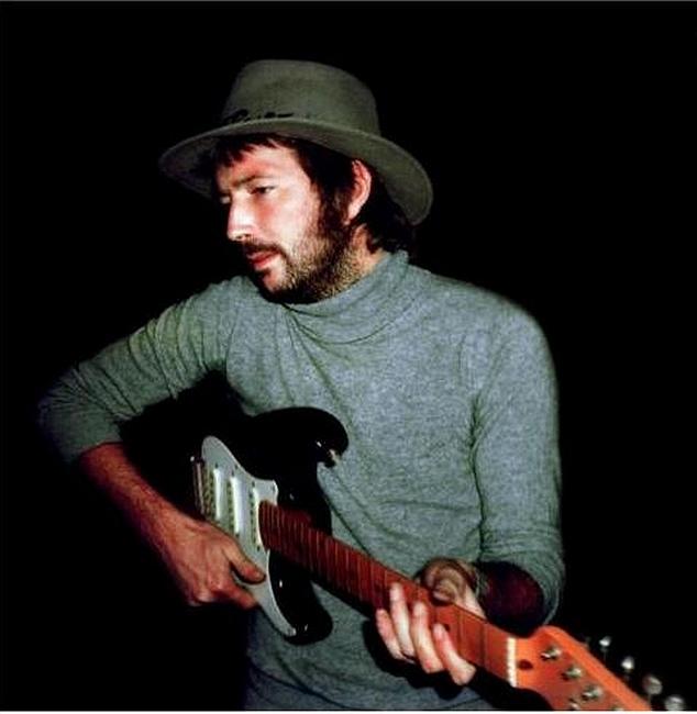Les 1000 visages d'Eric Clapton - Page 4 Sans_141
