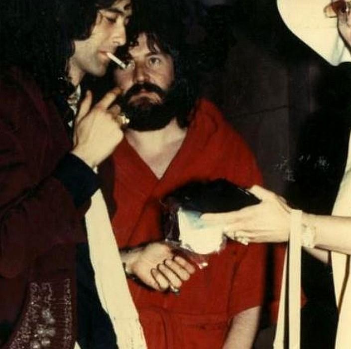 Pictures at eleven - Led Zeppelin en photos - Page 4 Sans_199