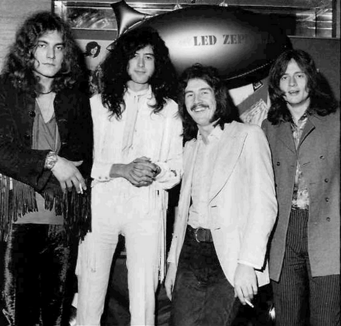 Pictures at eleven - Led Zeppelin en photos - Page 3 Tumbl522