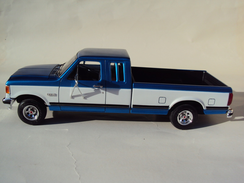 Ford F-250 Monogram stock Dsc01132