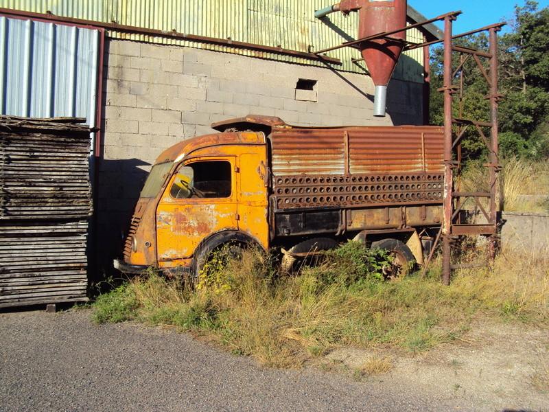 Les voitures abandonnées/oubliées (trouvailles personnelles) - Page 5 Neufch10
