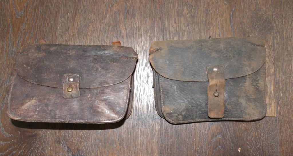 Deux cartouchières en cuir 103_6616