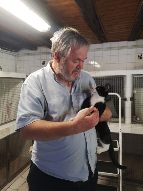 POPPY (Noir et blanc) Adopt354
