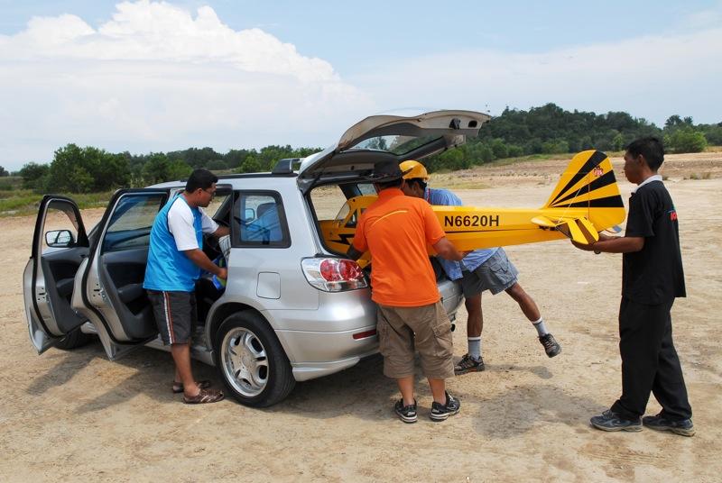 Jerry's 1/3 Scale Piper Cub @ Tanah Jambu Field Jerry_14