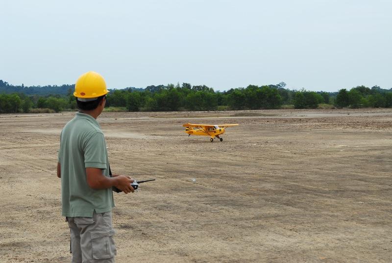 Jerry's 1/3 Scale Piper Cub @ Tanah Jambu Field Jerry_41