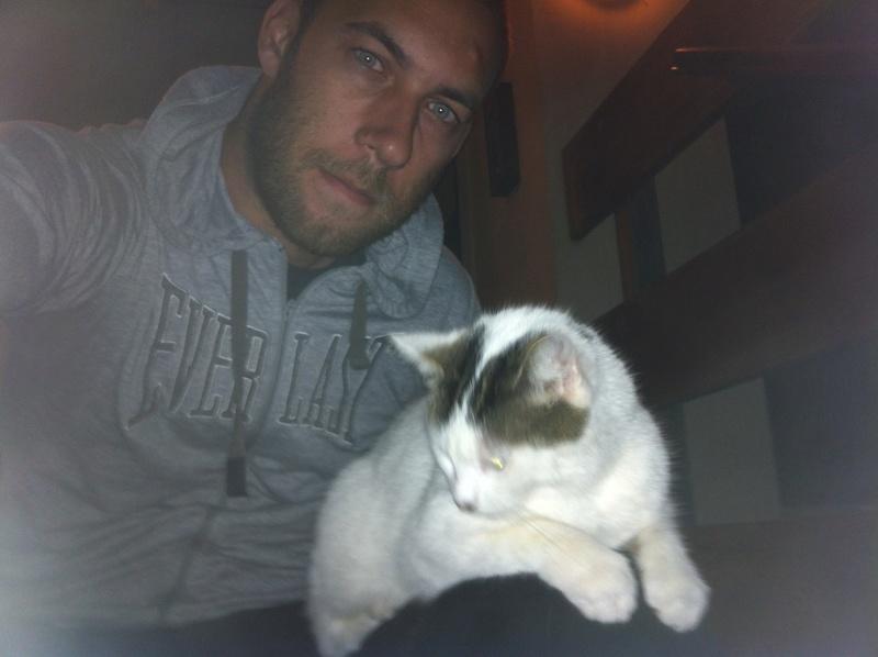 Les chats sont-ils possédés ?  Img_1310