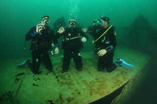 More divers 13700110