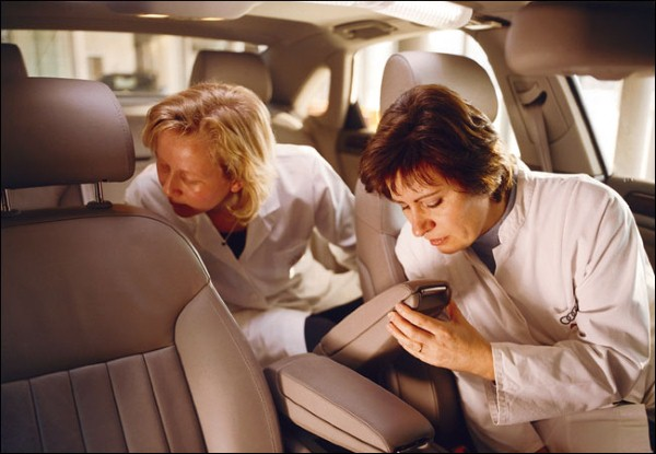 ما سر رائحة السيارات الجديدة المميزة ؟ Image11