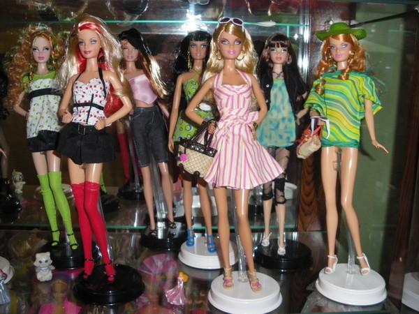 Ma collection de poupées Barbies - Page 2 Imgp0318