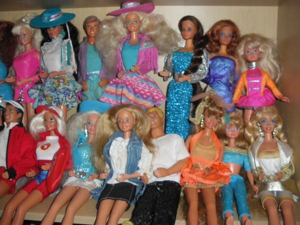 Ma collection de poupées Barbies - Page 2 Imgp0329