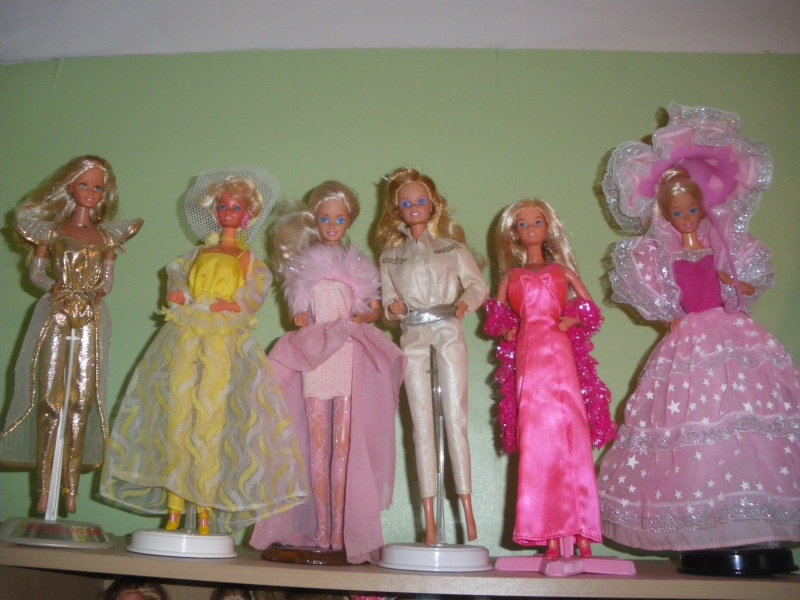 Ma collection de poupées Barbies - Page 2 Imgp0414