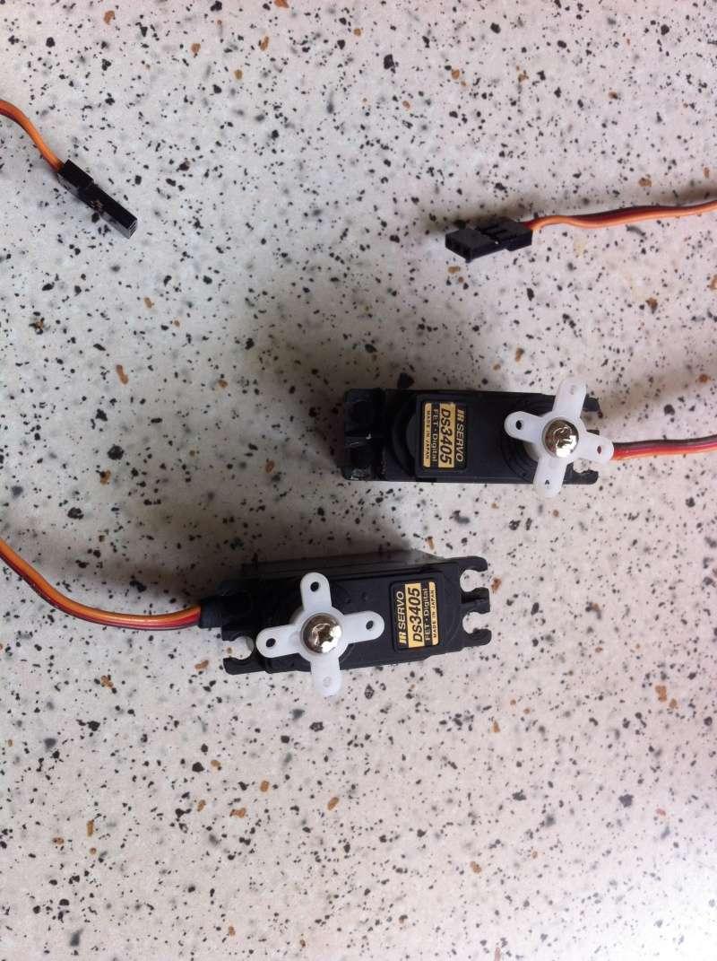 Vends 2 servos JR  DS3405. Jr_ser11