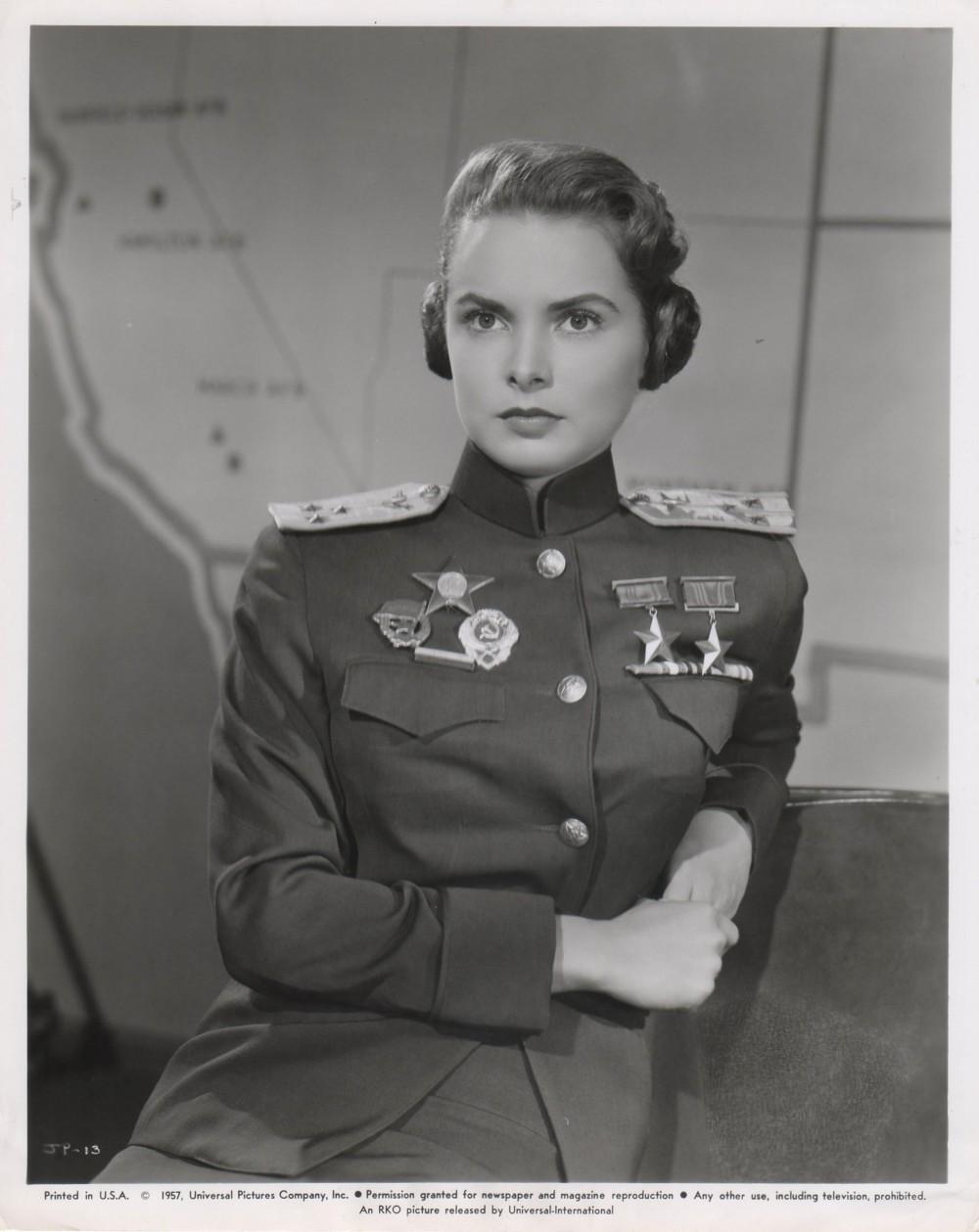 Les espions s'amusent - Jet pilot - 1957 - Page 3 Wayne_62