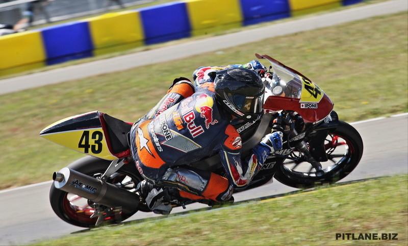 [Pit Laners en course!] Enzo Boulom ( Moto 3 Red Bull / FSBK) - Page 5 Eb10
