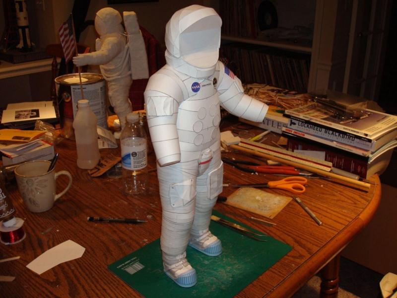 [maquette papier] astronaute lunaire au 1/6 As520010