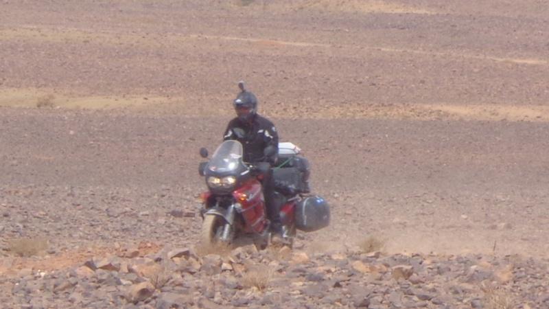 Les vacances approchent, comment charger sa moto au mieux ?   Dsc00810