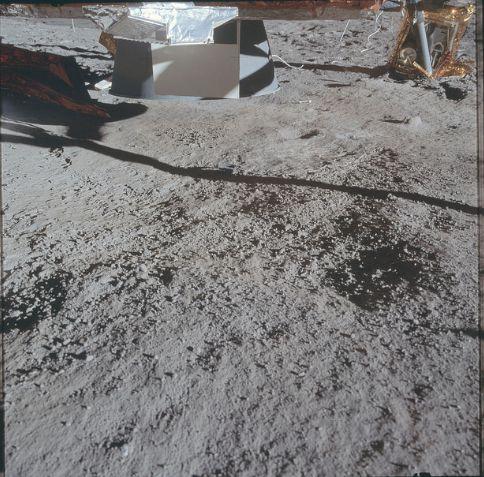 Ces incroyables photos de la NASA prises sur la Lune Presse15