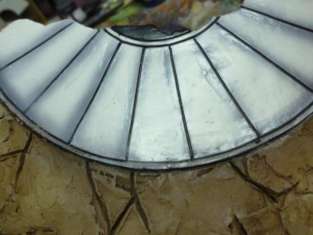 reparation retouche d un socle resine P1120210