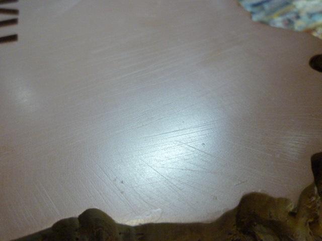 reparation retouche d un socle resine P1120211