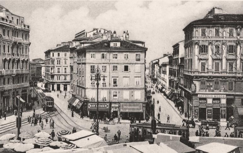 Pangea - Pagina 2 Piazza11