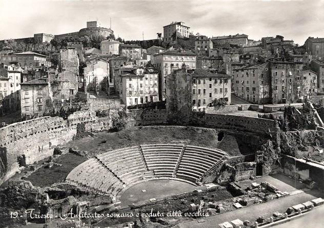 Pangea - Pagina 4 Teatro10