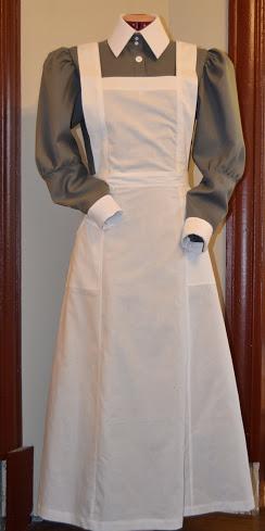 [Histo] Infirmière anglaise 1914-1918 : tablier _dsc0210