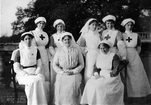[Histo] Infirmière anglaise 1914-1918 : tablier Nurses11