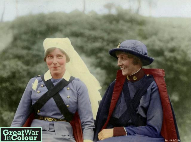 [Histo] Infirmière anglaise 1914-1918 : pèlerine Tumblr10