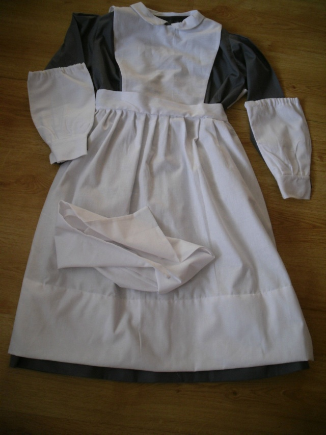 [Histo] Infirmière anglaise 1914-1918 : tablier Unifor11
