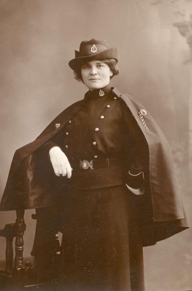 [Histo] Infirmière anglaise 1914-1918 : pèlerine Unknow12