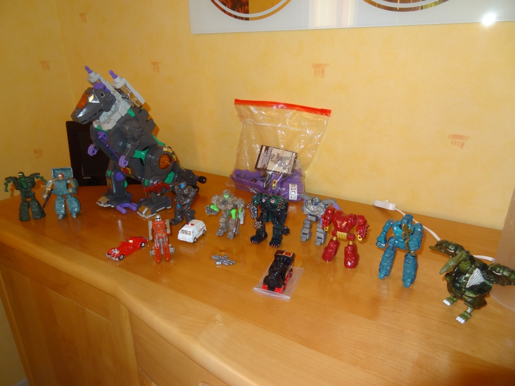 L'alliance Gobots/Transformers débarquent dans le 71 ! - Page 15 Dsc05812