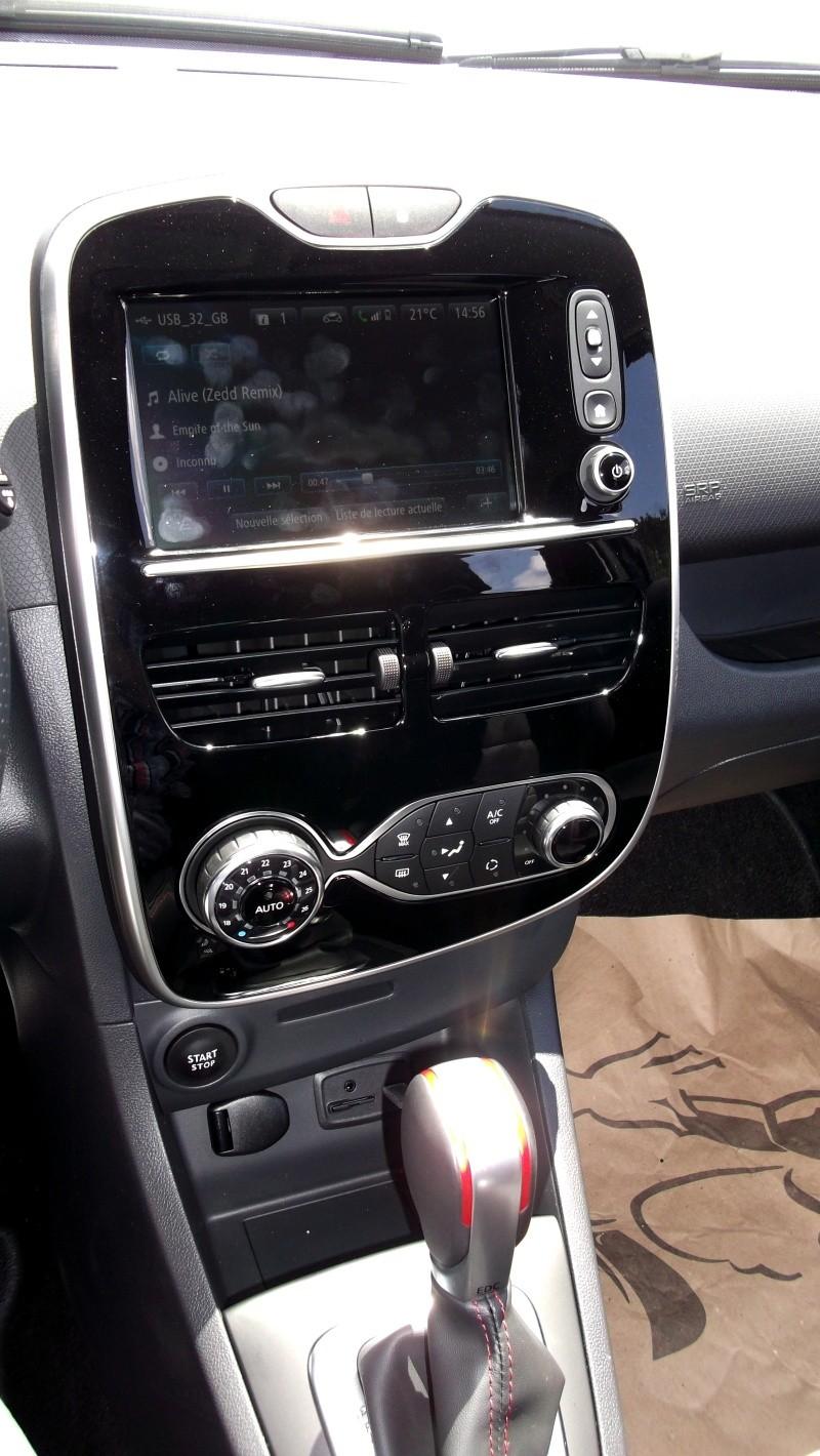 Clio RS IV Trophy noire (nouvelles photos) Dscf4410